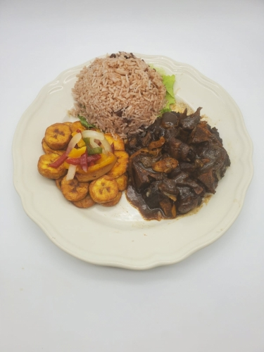 Braised Oxtail w/ Rice & Peas & Plantains